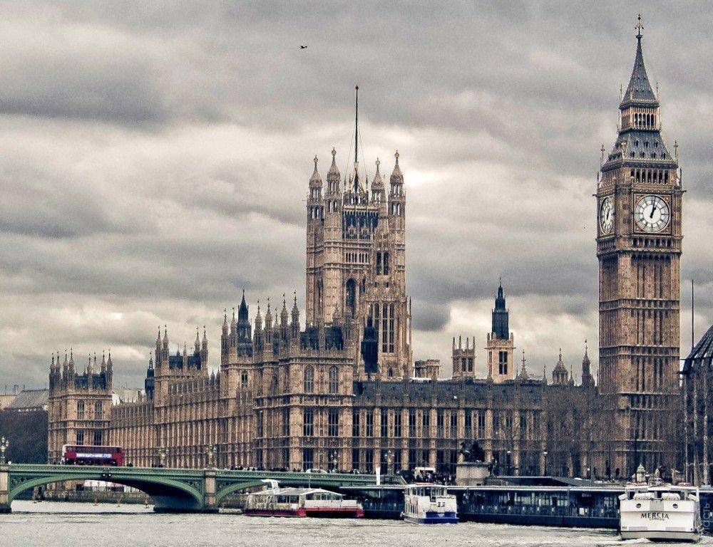 Британский фунт упал доапрельского минимума из-за выборов