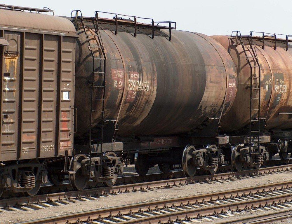 Казахстан официально опроверг сообщение опроблемах савиатопливом