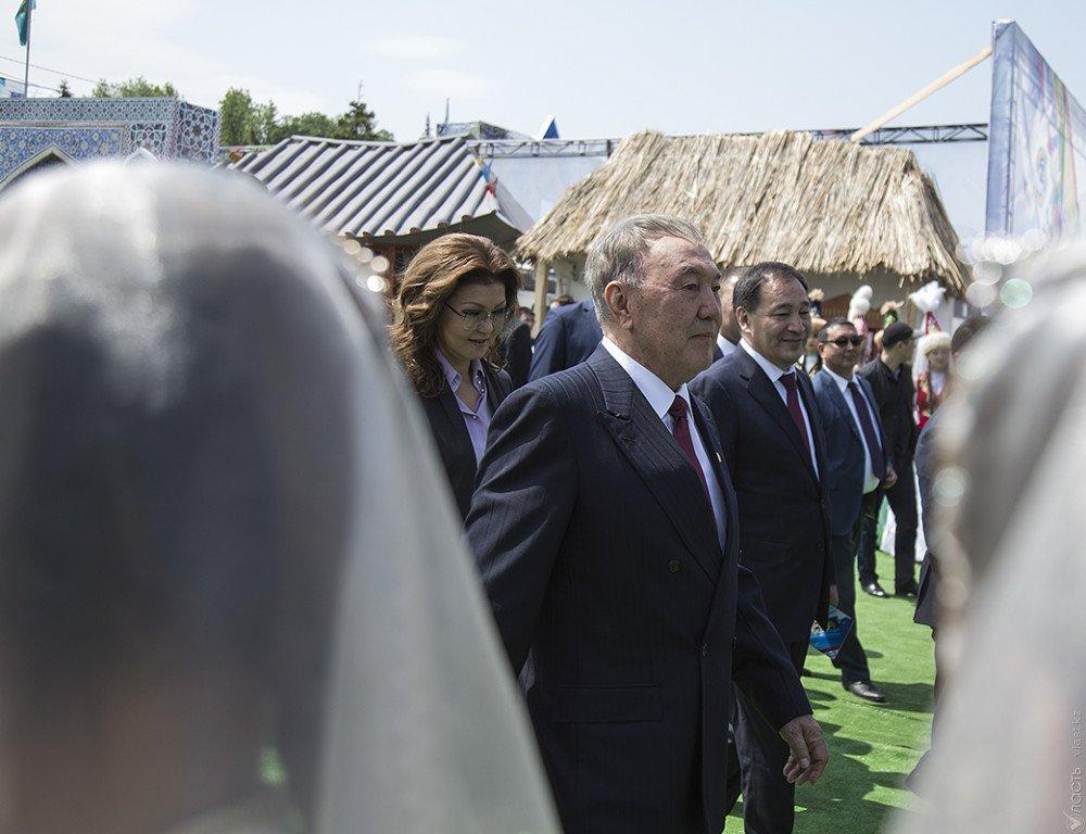 Нурсултан Назарбаев посетил Академию творчества вАктобе