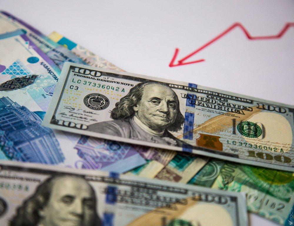 Вбанках Актау курс доллара США снизился до315 тенге