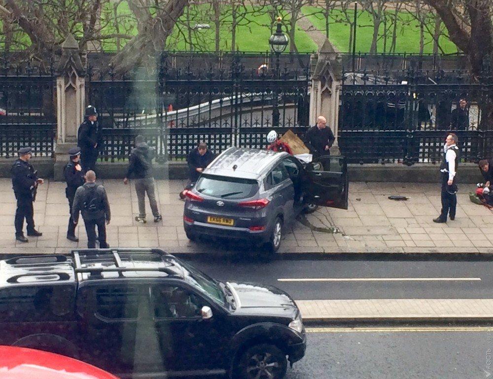 Свидетели поведали подробности стрельбы у английского парламента вЛондоне