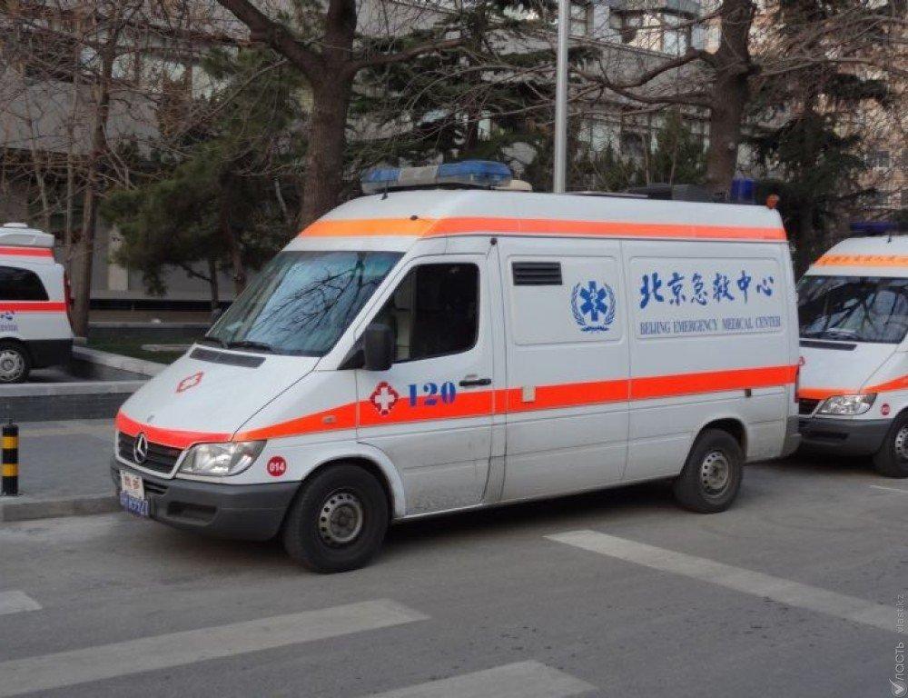 В Китайская республика  цементовоз врезался вавтобус: погибли 10 человек, более десятка пострадало