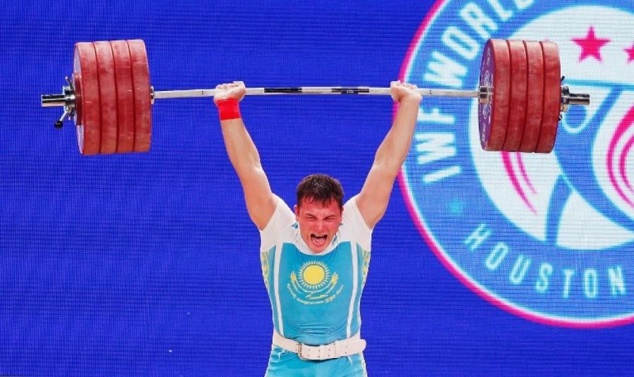Узбекистанский тяжелоатлет Нурудинов одержал победу золотую медаль вкатегории до105кг