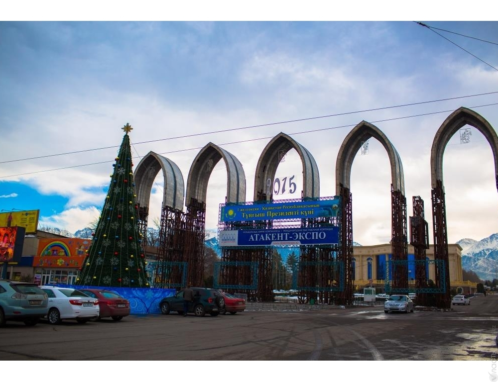 Бассейны Алматы Плавание и отдых недалеко от дома