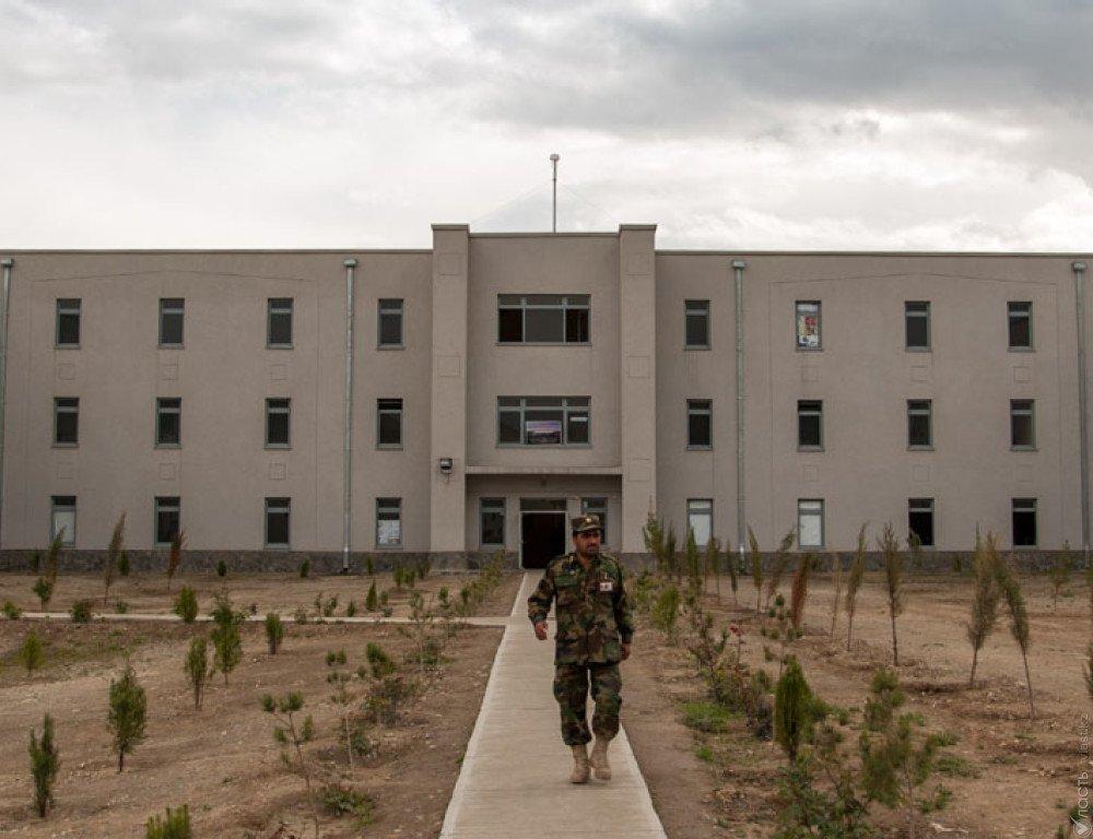 Террористы атаковали военную академию вКабуле