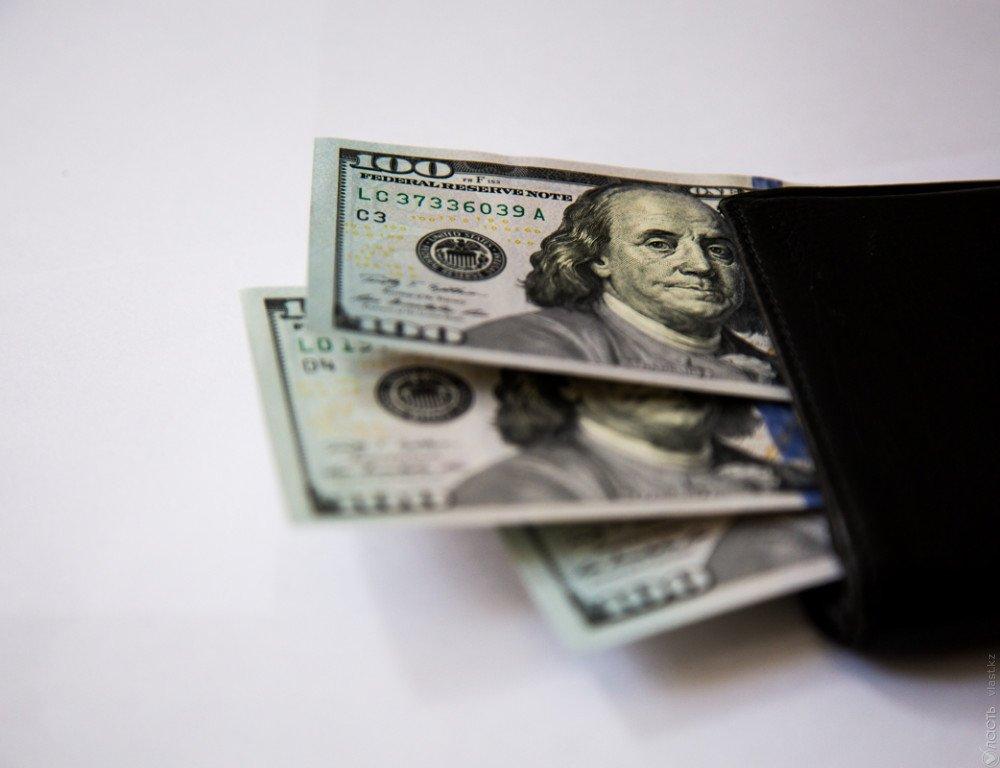 Нефть Brent торгуется выше 57 долларов забаррель