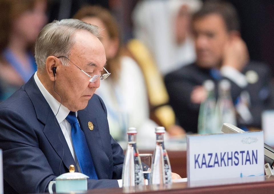 Назарбаев заманивает Обаму вКазахстан