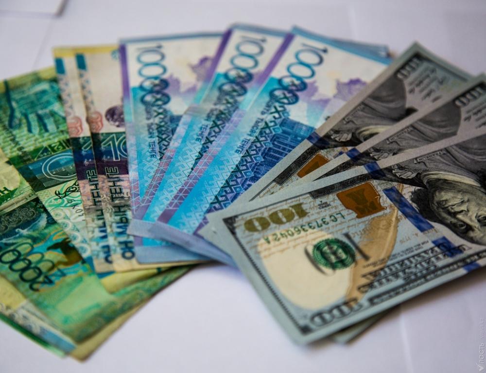 Курс доллара составил приблизительно 330,22 тенге