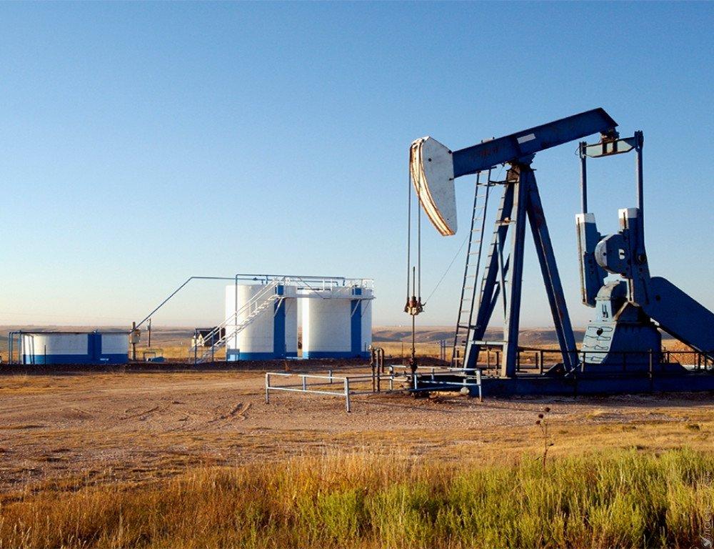 Цена нанефть марки Brent впервый раз с25мая превысила отметку $53