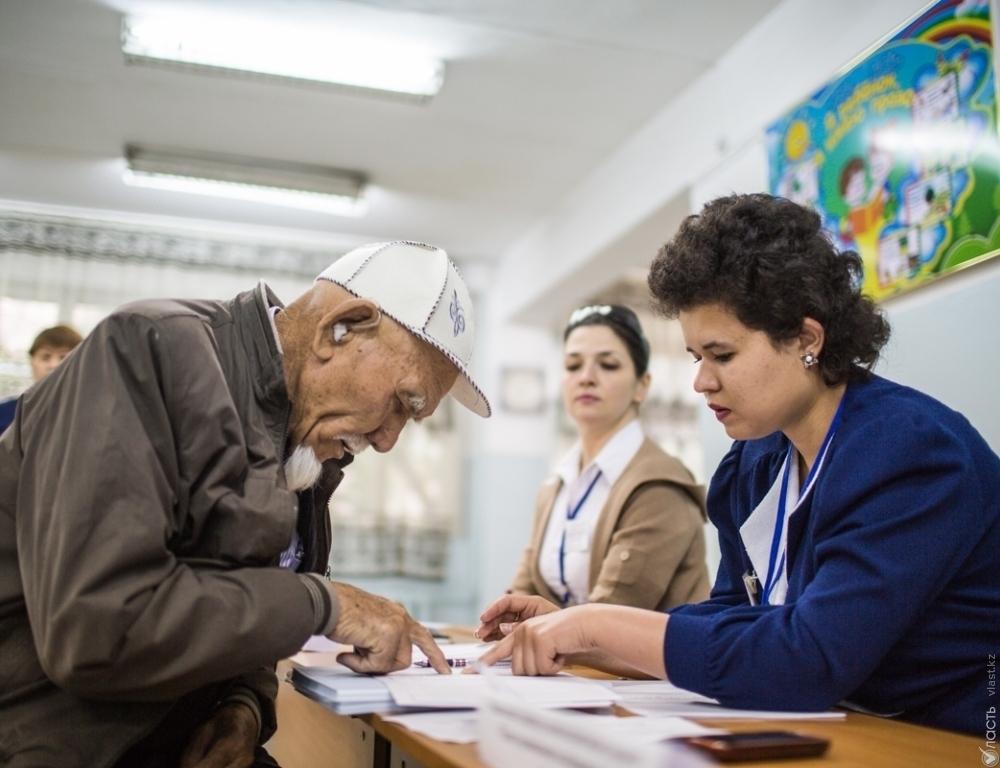 ВКазахстане открыли десять тыс. избирательных участков