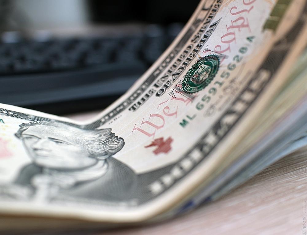 Курс доллара упал вцене наодну тенге